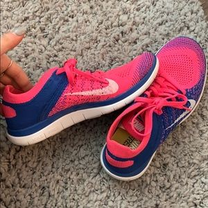Nike free 4.0 flyknit blue and pink